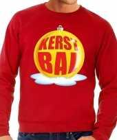 Foute kersttrui kerstbal geel op rode sweater voor heren shirt